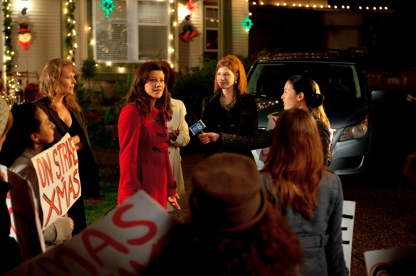 im a sucker for christmas movies i really am so when i saw a screener for lifetime movie networks new movie on strike for christmas it was all i could